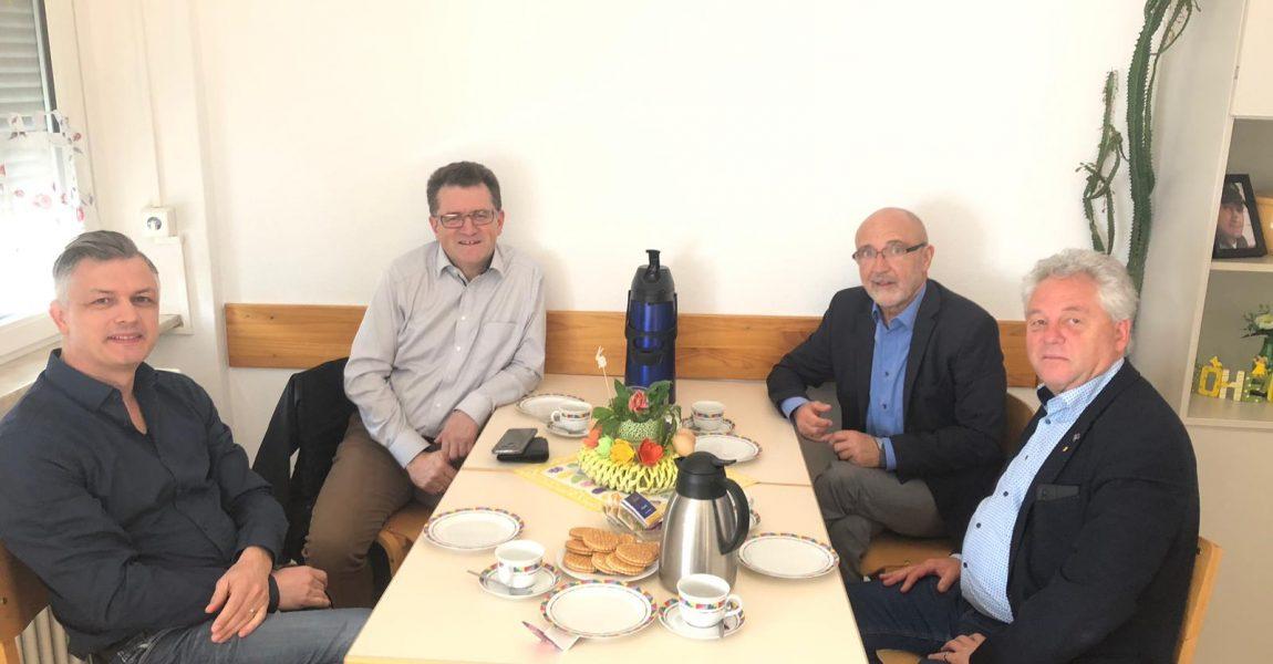 Ansgar Gernsbeck und Arno Klein treffen sich mit Vertretern des Caritasverbandes Baden-Baden